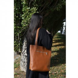 Leather shopper with front zip
