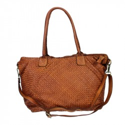 Shoulder bag in leather with interweaving